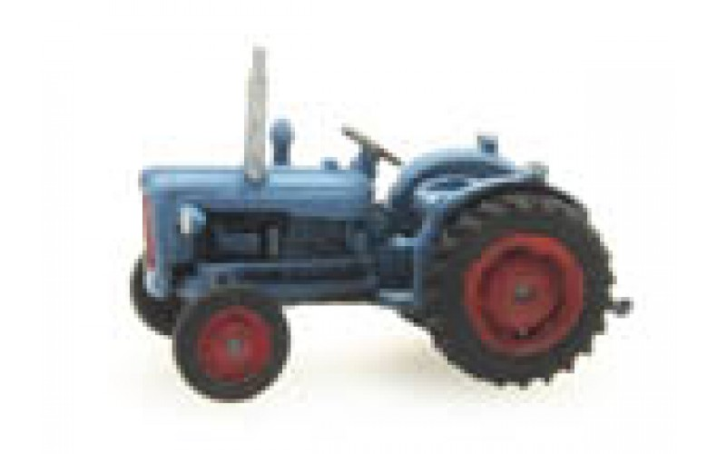 316055 Painted Ford Dexta Tractor ( Nscale 1/160th)